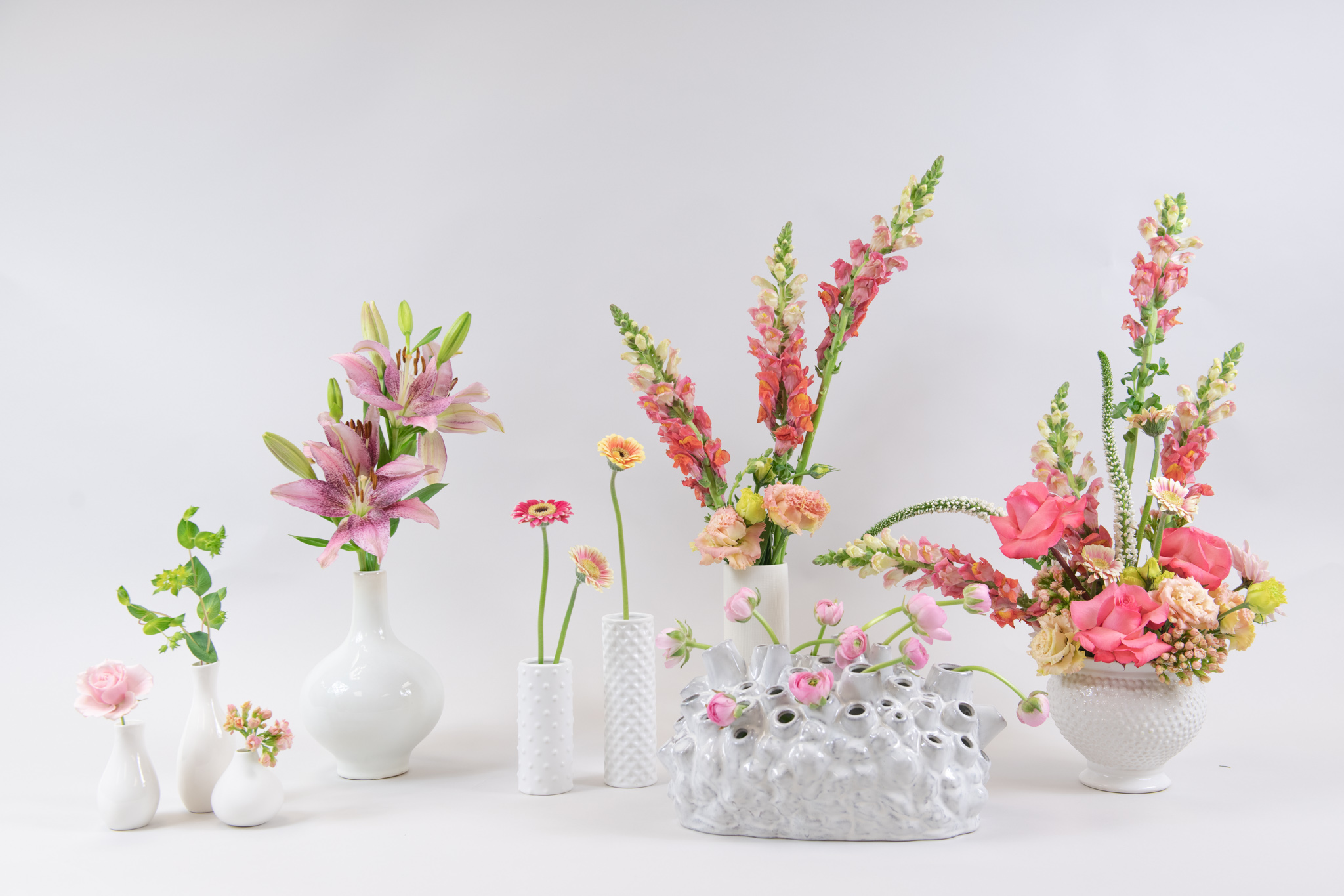 Create Gorgeous Decor This Galentine's Day Using Fresh Cut Flowers